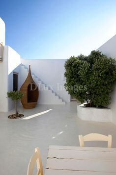 courtyard with screed floor