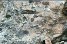 Conglomerado Diamantífero Sopa, Região de Diamantina, MG Marco histórico da mineração do diamante no Brasil Mário Luiz de Sá Carneiro Chaves & Ítalo Meneghetti Filho - pg 517