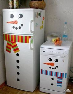 Decorar refrigerador como muñeco de nieve navideño