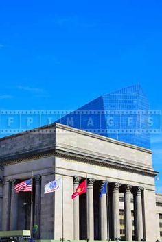 Compare old and new architecture, Philadelphia cityscapes