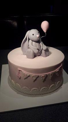 Bashful Bunny Cake - Homemade By Hollie.