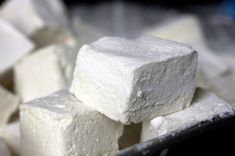 springy, fluffy marshmallows  Marshmallows . . . fluffy, sproingy marshmallows Brownie Desserts, Just Desserts, Delicious Desserts, Yummy Food, Recipes With Marshmallows, Homemade Marshmallows, White Marshmallows, Candy Recipes, Gourmet