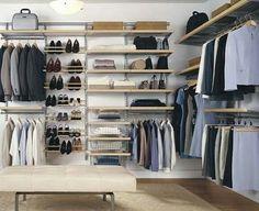 Pallet wardrobe idea