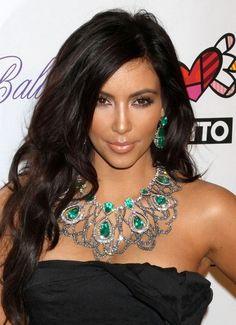How to get kim kardashian wavy hair,kim kardashian hairstyles,kim kardashian long wavy cut,kim kardashian hair cut,hair 35