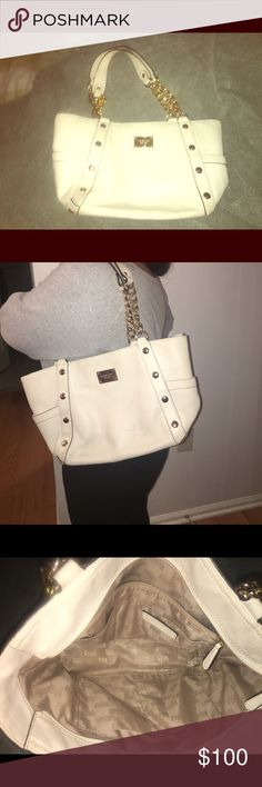 Michael KORS handbag This beautiful off white leather hand bag is in great condition only used 2xs.. fits on the shoulder MICHAEL Michael Kors Bags Shoulder Bags