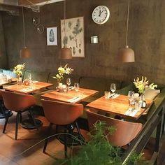 Bleu: Frans restaurant op de Prinsenstraat.  #nuoplooselab #linkinbio👆#gekookteimetmayo #DIYsteaktartare #macarons #terras #amsterdam #centrum