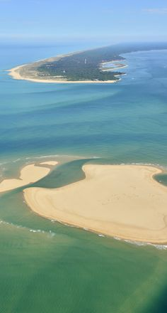 The feet in water - je me souviens. - Between land and sea, the Arcachon basin collects the corners of paradise: the Pilat dune, the bird - Cap Ferret, Destination Voyage, Destinations, My Land, Aquitaine, France Travel, Bordeaux, Beautiful Places, Scenery