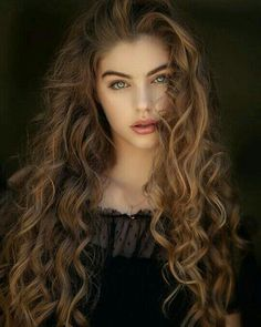 Long Curly Hair, Curly Hair Styles, Photography Women, Portrait Photography, Photography Ideas, Fashion Photography, Editorial Photography, Nature Photography, Beautiful Woman Photography