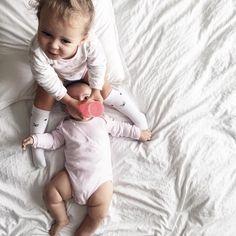 They look so cute  #twistshake #sibling #parenting #twistshakedreamcatcher #love #dailyparenting