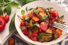 Quer coisa mais feliz que pão italiano fazer parte de uma salada? Veja aqui a receita!