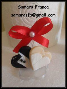 lembrancinha de casamento de biscuit