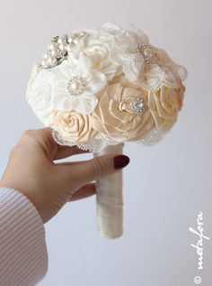 Hey, I found this really awesome Etsy listing at https://www.etsy.com/listing/153697120/wedding-toss-bouquet-ivory-bouquet
