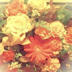 白耳ギャラリーOPENのお花 #花 #花束 #アニバーサリー #ガーベラ #カーネーション #Vieludoの花々