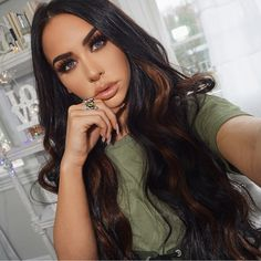 """158.5k Likes, 614 Comments - Carli Bybel (@carlibel) on Instagram: """"new video is NOW up! instant highlights using @bellamihair extensions!! two colors & two…"""""""