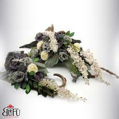 Święto zmarłych 2016 | Bu-Fu Kompozycje kwiatowe Black Flowers, Fake Flowers, Funeral Flowers, Floral Arrangements, Diy And Crafts, Floral Wreath, Easter, Wreaths, Home Decor