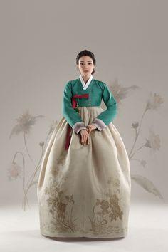 Korean Traditional Dress, Traditional Dresses, Japanese Outfits, Korean Outfits, Modern Hanbok, Oriental Dress, Kimono Japan, Wrap Around Skirt, Korean Dress