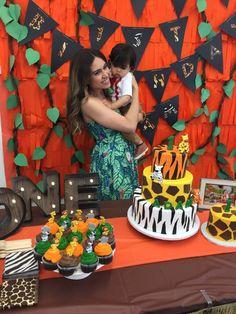 safari cake table