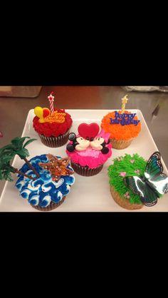 Mega cupcake designs Cupcake Ideas, Cupcake Cakes, Shower Party, Baby Shower, Cake Decorating, Decorating Ideas, Bakery Cakes, Halloween Cupcakes, No Bake Desserts