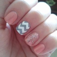 Glitter and patterned nails. So cute!