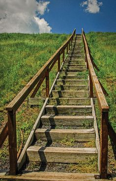 Steps To Heaven, By George Shearer Aperture: F8 Shutter: 1/800 ISO: 800 Focal length: 20mm Source:http://www.shutterbug.com/content/super-deep-depth-field#36qTgTs3lxGigmIq.97