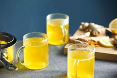 Turmeric (curcumin) offers anti-inflammatory and antioxidant benefits. Incorporate the trendy spice into your cup with these creative turmeric tea recipes — which also include healthful ingredients like green tea, ginger, cinnamon, and cardamom. Turmeric Tea Benefits, Coconut Health Benefits, Turmeric Drink, Tumeric Tea Recipe, Turmeric Recipes, Ginger Benefits, Turmeric Curcumin, Turmeric Inflammation, Tea For Inflammation