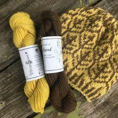 Birki means Birch in Icelandic and it is a native tree of Iceland. #iceland #helenemagnusson #knitters #patterns #knittingpatterns https://icelandicknitter.com/shop/birkilauf-kit/