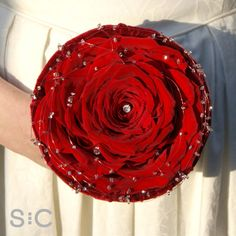 Red silk rose carmen bouquet in a velvet bowl, with crystals