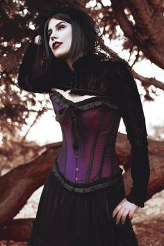 Model: Mery SPPhotography: Louise Thomas PhotographyMUA: Sorell Bown Makeup ArtistOutfit: The Gothic Shop - www.the-gothic-shop.co.ukEyeshadow: I AM SIN