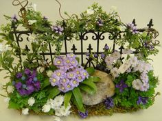 Gardening Flowers Fence with Flower Bed Miniature Plants, Miniature Fairy Gardens, Miniature Greenhouse, Mini Fairy Garden, Mini Plants, Cactus Plants, Fairy Furniture, Garden Borders, Landscaping With Rocks