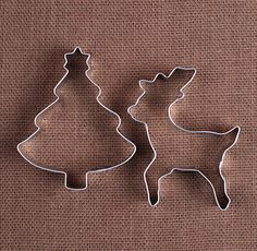 Use our Christmas tree and reindeer cookie cutters to make holiday sugar cookies and fun shaped rice crispy treats! To decorate your cookies, check out our large selection of sprinkles, frosting tips