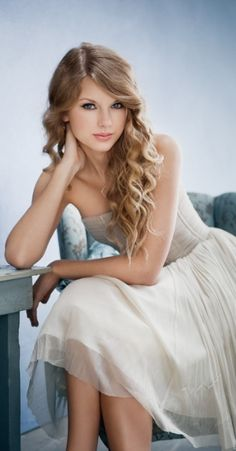 Taylor Swift - Met her in Veags, when her first album had just been released