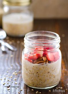 Overnight Oats -- healthy and easy breakfast idea. No cooking required. Use any kind of oats.