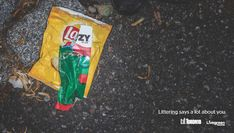 """ポイ捨てされたゴミは、あなたの本質を雄弁に語ります。カナダのトロント市が街の景観を改善するプロジェクト「Live Green Toronto」の一環で、市民に""""ゴミのポイ捨て""""をやめさせるべくユニークな啓発プリント広告制作。  道端にポイ捨てされた2つのゴミ。それらが微妙な具合に重なり合い、2つのゴミのラベルをつなげて1つの単語として読み取ることができます。「LaZY(怠け者)」と。  """"Littering says a lot about you."""" (ポイ捨てしたゴミは、あなたについて雄弁に語ります。) duMB(愚か者) Selfish(身勝手) DipSTICK(間抜け) piG(下品) LowLIFE(ごろつき)  """"ポイ捨て""""という行為は取るに足らないことではなく、""""恥ずべきこと""""と定義し、""""ポイ捨てされたゴミ""""自体が、ポイ捨てをした本人すらも気づいていないその人の本性、すなわち""""恥ずべき人間だ""""と語りかけているという表現。  「あなたはそんな人じゃありませんよね」「そんな人じゃないはずだから、ポイ捨てなんてやりませんよね」と、市民のモラルに訴えかける啓発広告"""