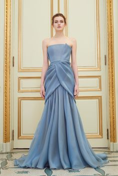 Rami Al Ali presented his Spring Summer collection 2016 in the exquisite surrounding of the Salon Pompadour of the Hotel Meurice in Paris. This is the Paris Couture Show by Rami Al Ali. Bodycon Prom Dresses, Strapless Dress Formal, Dress Prom, Dress Wedding, Formal Dresses, Grecian Dress, Strapless Maxi, Chiffon Dresses, Dresses 2016