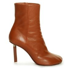 CLICK TO SHOP ankle boots by Vetements #ankleboots #toedetail https://www.theshopally.com/sophie-etchart/20160429/click-to-shop-ankle-boots-by-vetements-ankleboots-