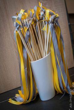 Baton de ruban – Mariage - Cut Tutorial and Ideas Wedding Exits, Wedding Games, Diy Wedding, Rustic Wedding, Wedding Ideas, Design Room, Ribbon Sticks, Wedding Planer, Diy Baby Gifts