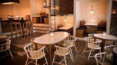 7. Söder Om Småland är en ölbar och skånsk restaurang som fokuserar på närproducerad, klassisk och kreativ mat för att matcha det ständigt roterande ölutbudet.  10 fat och 10 flaskor kommer att tävla om säsong, smak, kvalitet och er uppmärksamhet. Bakom kulisserna ruvar en cuveé-lista. https://www.facebook.com/pages/Söder-Om-Småland/322752277837924