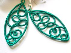 Turquoise wire earringsfantasy earringswoven wire by TaniHandmade Handmade Art, Handmade Jewelry, Unique Jewelry, Handmade Gifts, Vintage Style, Vintage Inspired, Vintage Fashion, Vintage Accessories, Fashion Accessories