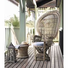 MOGALE bamboo and natural fibre wicker stool | Maisons du Monde