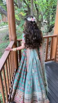 Party Wear Indian Dresses, Indian Gowns Dresses, Indian Bridal Outfits, Indian Bridal Fashion, Indian Bridal Wear, Indian Fashion Dresses, Bridal Dresses, Hairstyles For Gowns, Bridal Hairstyles