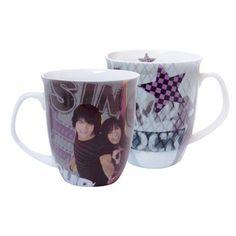 Le mug cake Disney des films musicaux Camp Rock par les Jonas Brothers et Demi Lovato - Tasse originale pas cher - Mug café ou thé sur La Maison Tendance   http://www.lamaisontendance.fr/catalogue/mug-cake-disney-camp-rock/  #mug #tasse #café #thé #mugcake #camprock #jonasbrothers #disney #musique #enfant