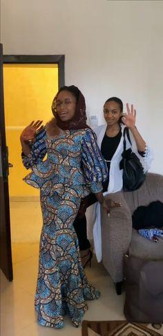 African Wear, African Fashion, Kitenge, Ankara Styles, Sleeves, How To Wear, Beautiful, Dresses, African Dress