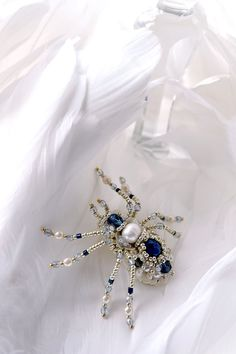 Small spider brooch, pearl dark blue spider jewelry unique gift for her luxury designer's jewelry with Freshwater pearl