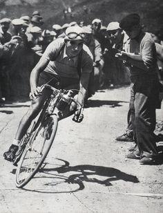 Tour de France 1938. 14^Tappa, 22 luglio. Digne > Briançon. Col de Vars. Gino Bartali (1914-2000)