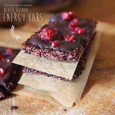 Easy Healthy Vegan Black Quinoa, Berry And Chia Seed Energy Bar Topped With Cranberries And Dark Chocolate Recipe