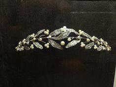 Maison MELLERIO DITS MELLER fête ses 400 ans avec sa collection dédiée à Marie de Médicis - pearl and diamond tiara (hva)