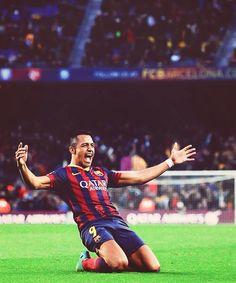 Alexis Sánchez Alexis Sanchez, Camp Nou, Men's Football, Fc Barcelona, Running, Chile, Beautiful, Sports, Fotografia