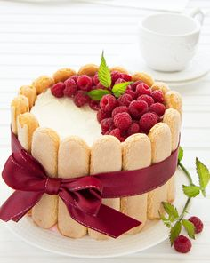 Raspberry charlotte cake shared by frannieredman Bolo Charlotte, Dessert Charlotte, Charlotte Au Fruit, Fancy Cakes, Mini Cakes, Traditional French Desserts, Cake Recipes, Dessert Recipes, Bon Dessert