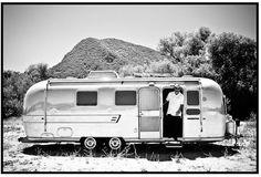 Vintage Airstream Airstream Motorhome, Airstream Caravans, Airstream Interior, Mini Camper, Camper Life, Truck Camper, Vintage Campers Trailers, Rv Campers, Camper Trailers