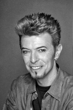 David Bowie, 1997 David Bowie Born, Bowie Starman, Major Tom, Lets Dance, David Jones, Glam Rock, Gorgeous Men, Black And White Photography, My Hero